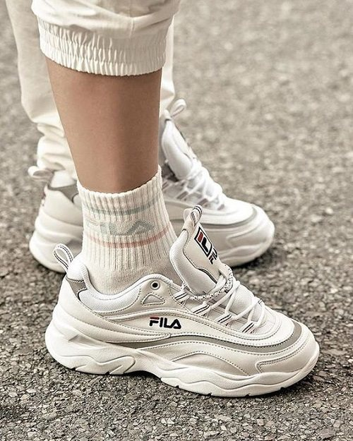【额外7.5折】Fila 斐乐 Ray 女子老爹鞋 $48.75(约327元)