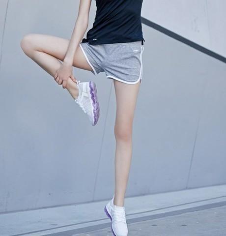 LI-NING 李宁 训练系列 AKSN166 女士运动短裤 38元(前500件)
